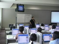 山形県立米沢女子短期大学 講義の様子